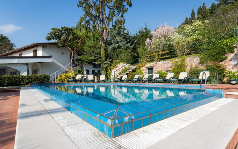 hotel residence sporting piscina